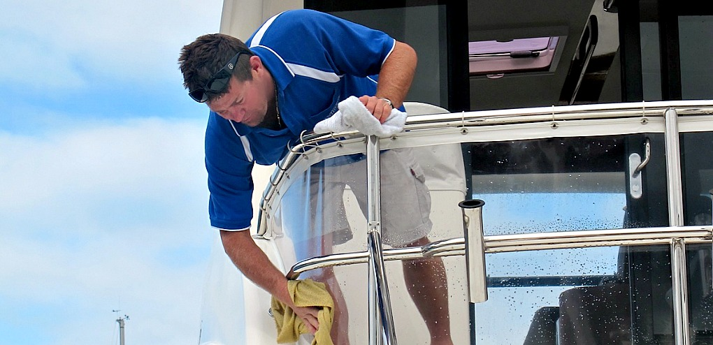 Detailing your boat for Christmas